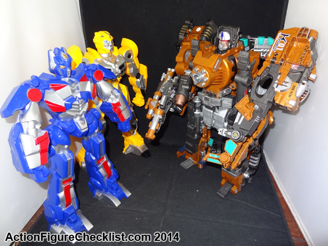DSC04305 Optimus Prime And Bumblebee NTF Lights And Sound